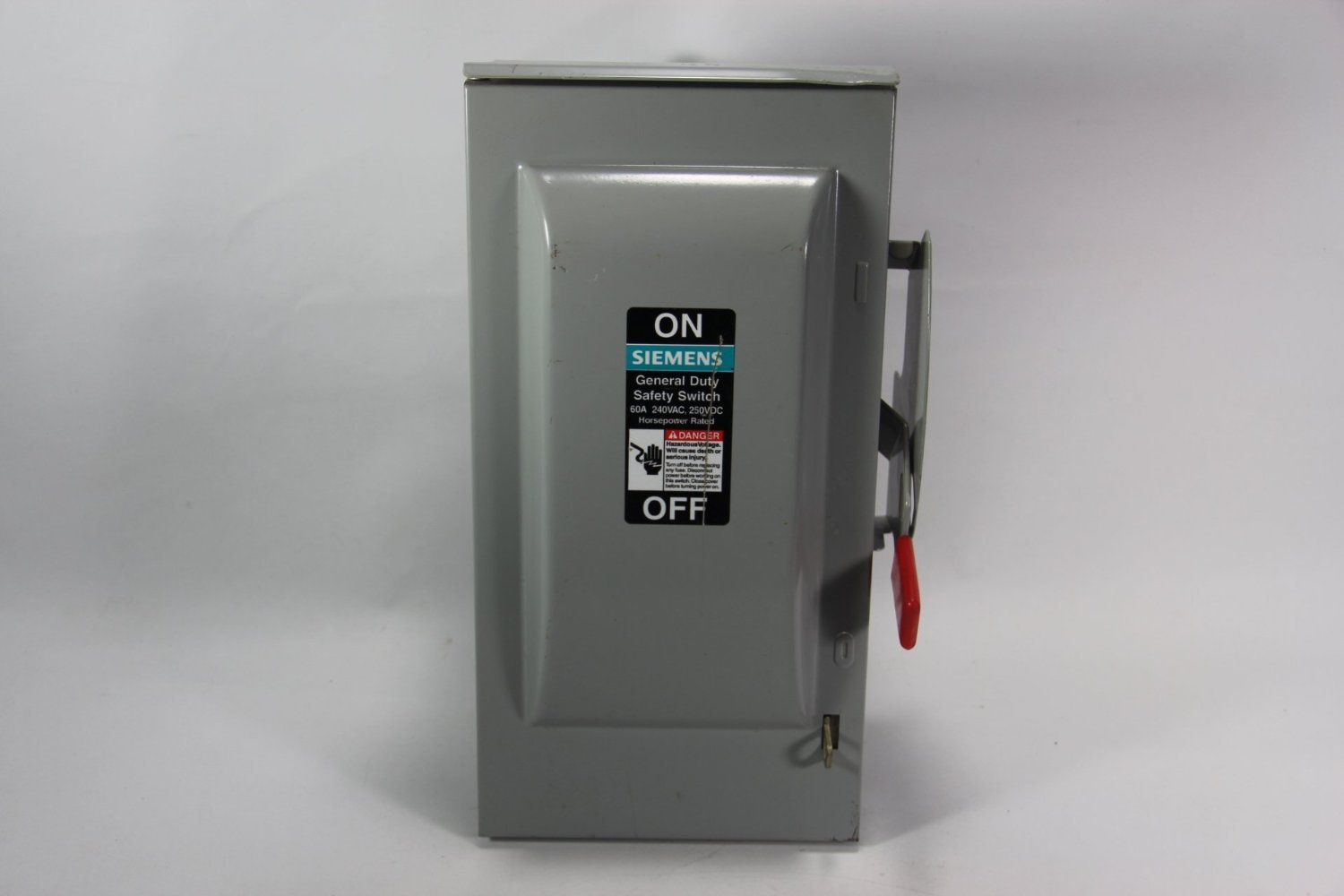 Siemens 240 Volt 3-Pole 4- Wire NON-FUSIBLE Safety Switches/Disconnects Outdoor General Duty 30 Amp, 60 Amp, 100 Amp, 200 Amp